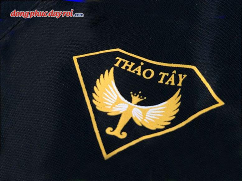 mau-ao-thun-dong-phuc-salon-toc-thao-tay